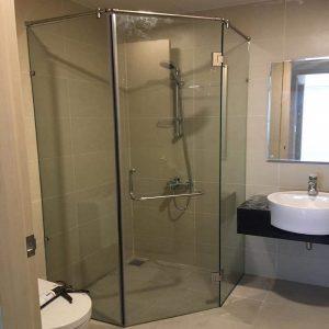 bồn tắm đứng vách kính